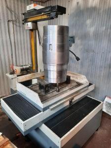 Erozionnyj stanok 1000 mm2 225x300 - Введен в эксплуатацию электроэрозионный станок высотой реза в 1000 миллиметров