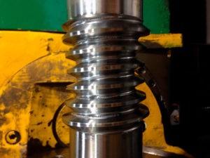 glavnoe foto globoidnye 300x225 - Точное изготовление глобоидных передач